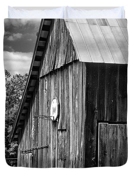 An American Barn bw Duvet Cover by Steve Harrington