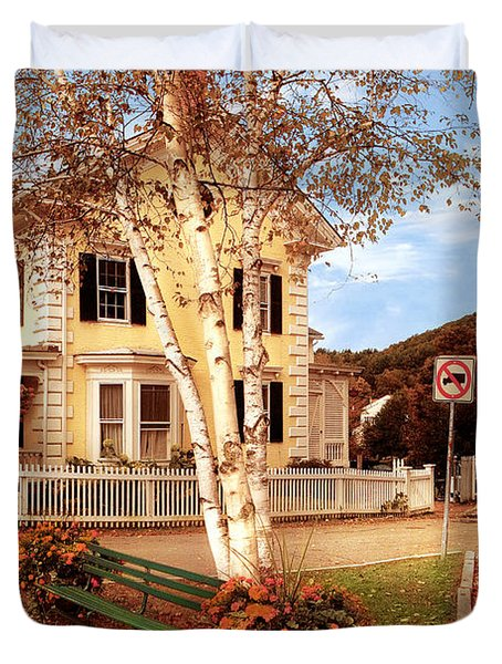 Architecture - Woodstock Vt - Where I Live Duvet Cover by Mike Savad