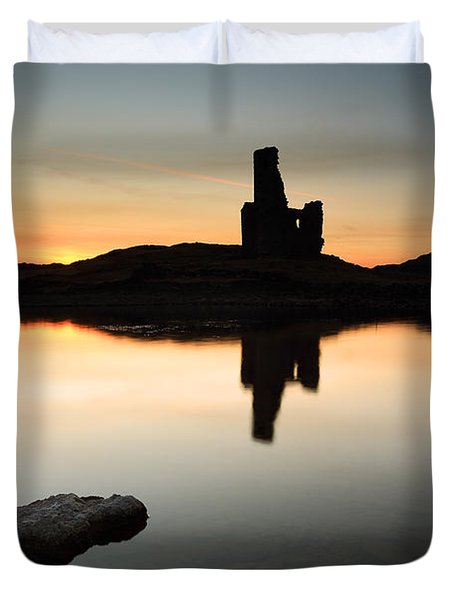 Ardvreck Sunset Duvet Cover by Grant Glendinning