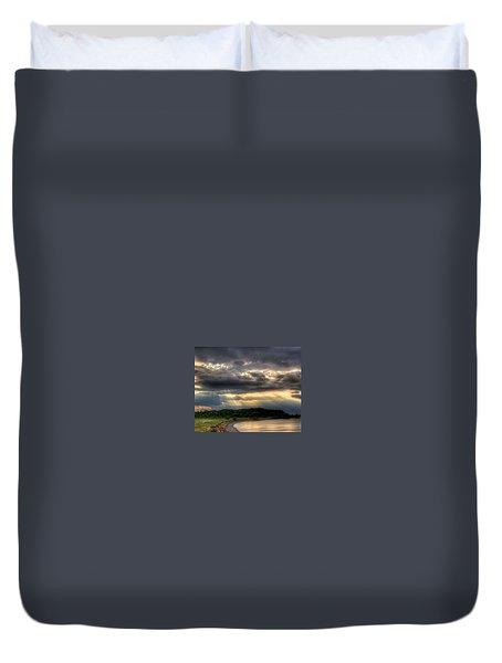 Art For Crohn's Lake Ontario Sun Beams Duvet Cover by Tim Buisman