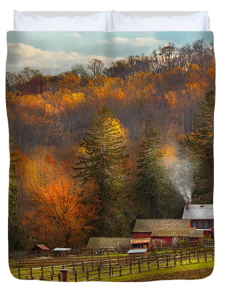 Autumn - Barn - The end of a season Duvet Cover by Mike Savad