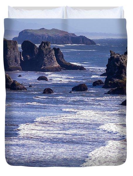 Bandon Beach Seastacks 6 Duvet Cover by Tracy Knauer