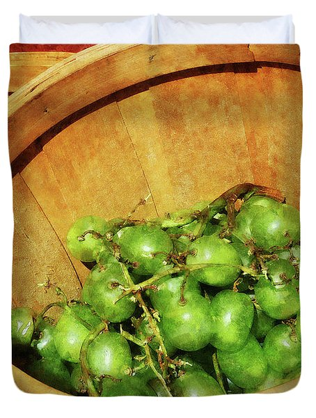 Basket of Green Grapes Duvet Cover by Susan Savad