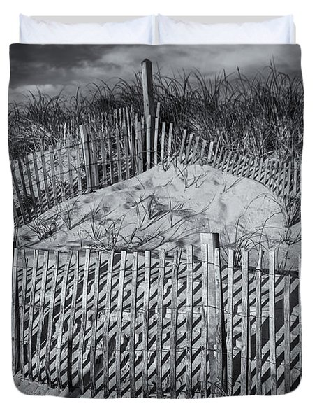 Beach Fence Bw Duvet Cover by Susan Candelario