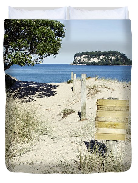 Beach Sign Duvet Cover by Les Cunliffe
