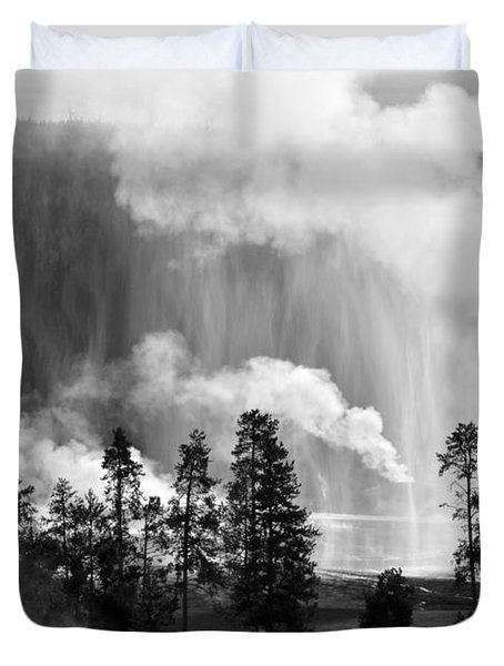 Beehive Geyser Shower In Black And White Duvet Cover by Bruce Gourley