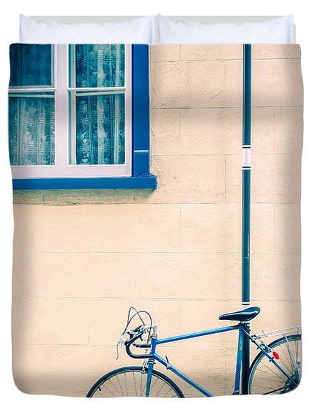 Bicycle On The Streets Of Old Quebec City Duvet Cover by Edward Fielding