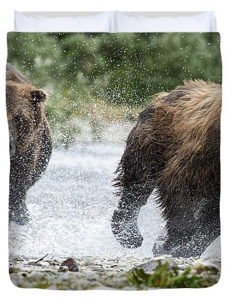 Big Bully On Funnel Creek Katmai National Park Duvet Cover by Dan Friend