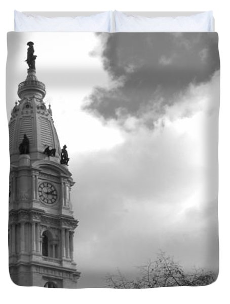 Billy Penn Vertical Bw Duvet Cover by Photographic Arts And Design Studio
