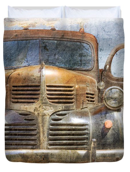 Bonnie And Clyde Duvet Cover by Debra and Dave Vanderlaan