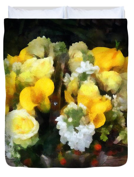 Bouquet With Roses And Calla Lilies Duvet Cover by Susan Savad