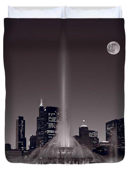 Buckingham Fountain Nightlight Chicago Bw Duvet Cover by Steve Gadomski