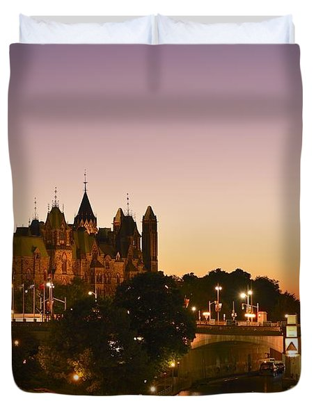 Canadian Parliament Buildings Duvet Cover by Tony Beck