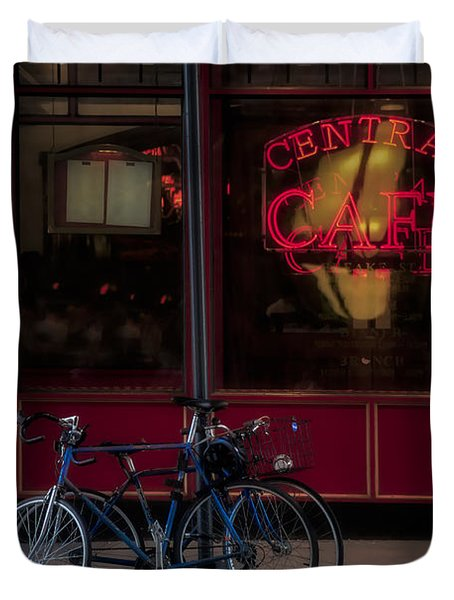 Central Cafe Bicycles Duvet Cover by Susan Candelario