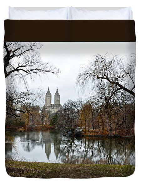 Central Park And San Remo Building In The Background Duvet Cover by RicardMN Photography