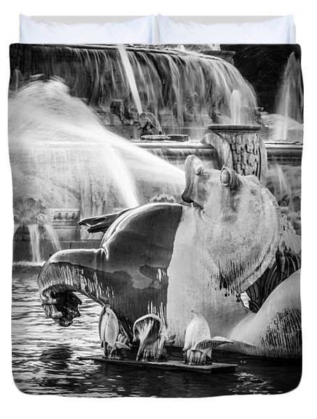 Chicago Buckingham Fountain Seahorse In Black And White Duvet Cover by Paul Velgos