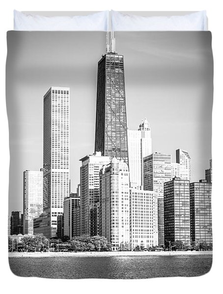 Chicago Hancock Building Black And White Picture Duvet Cover by Paul Velgos