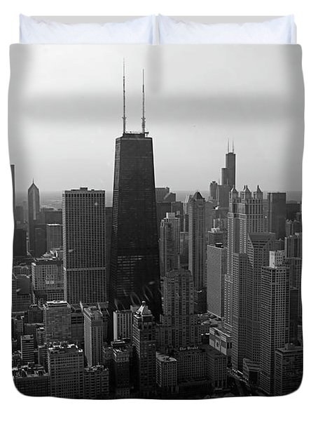 Chicago Looking South 01 Black And White Duvet Cover by Thomas Woolworth