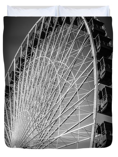 Chicago Navy Pier Ferris Wheel In Black And White Duvet Cover by Paul Velgos