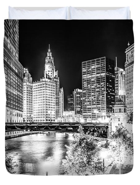 Chicago River Buildings At Night In Black And White Duvet Cover by Paul Velgos
