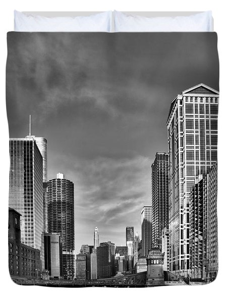 Chicago River In Black And White Duvet Cover by Sebastian Musial