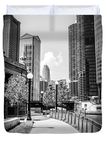 Chicago Riverwalk Black And White Picture Duvet Cover by Paul Velgos