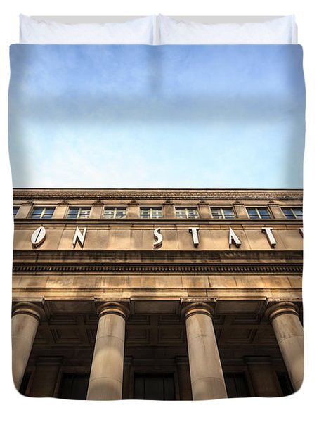 Chicago Union Station Sign And Building Columns Duvet Cover by Paul Velgos