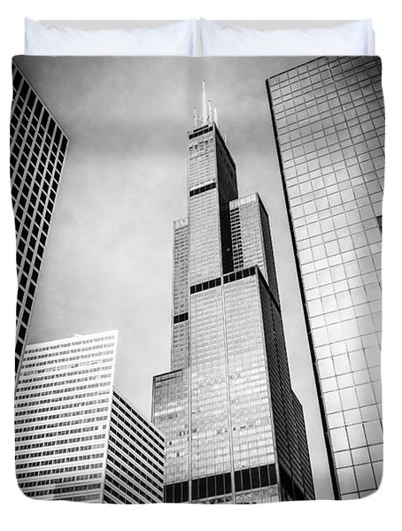 Chicago Willis-sears Tower In Black And White Duvet Cover by Paul Velgos