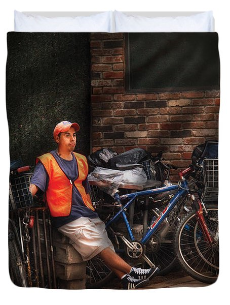 City - Ny - Waiting For The Next Delivery Duvet Cover by Mike Savad