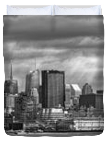 City - Skyline - Hoboken NJ - The ever changing skyline - BW Duvet Cover by Mike Savad