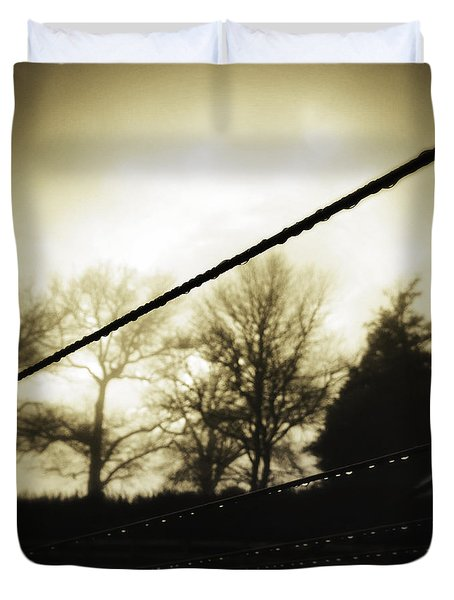 Clotheslines  Duvet Cover by Les Cunliffe