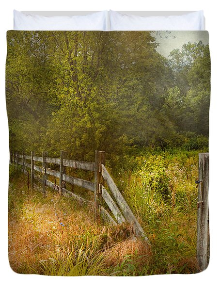 Country - Landscape - Lazy meadows Duvet Cover by Mike Savad