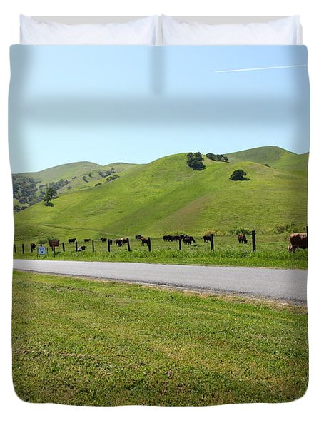 Cows Along The Rolling Hills Landscape of The Black Diamond Mines in Antioch California 5D22326 Duvet Cover by Wingsdomain Art and Photography
