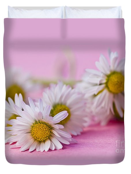 Daisies On Pink Duvet Cover by Jan Bickerton