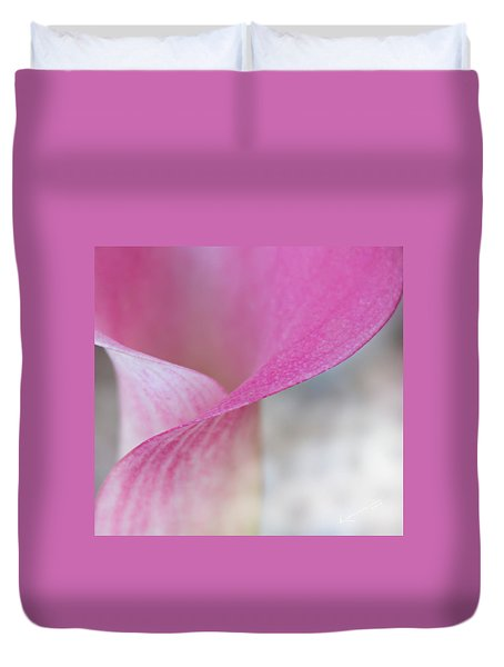 Delicate Curves Duvet Cover by Kume Bryant