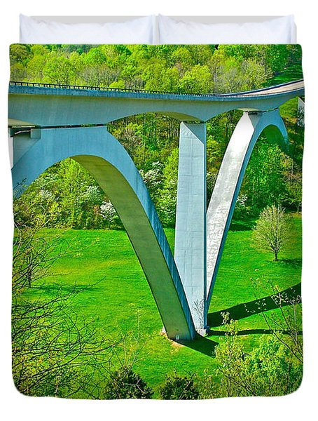 Double-arched Bridge Spanning Birdsong Hollow At Mile 438 Of Natchez Trace Parkway-tennessee Duvet Cover by Ruth Hager