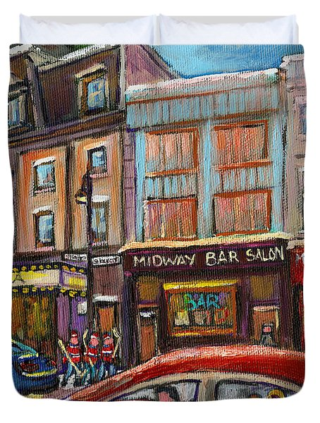 Downtown Montreal Streetscene Duvet Cover by Carole Spandau