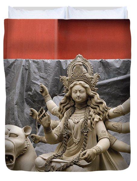 Durga In Kumartuli Duvet Cover by Shaun Higson