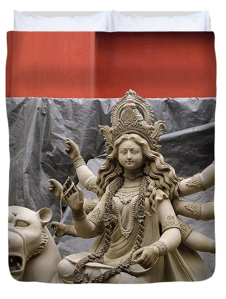 Durga In Kumartuli Duvet Cover by Shaun Higson