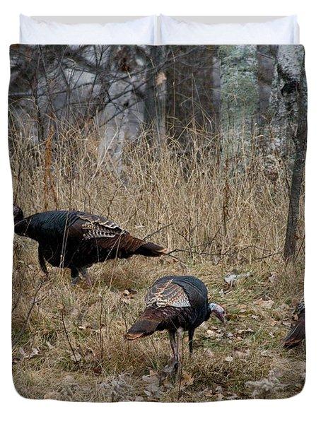 Eastern Wild Turkeys Duvet Cover by Linda Freshwaters Arndt