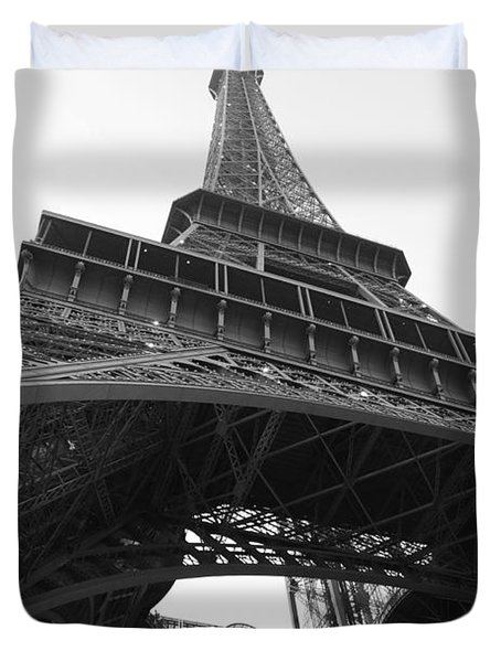 Eiffel Tower B/w Duvet Cover by Jennifer Ancker