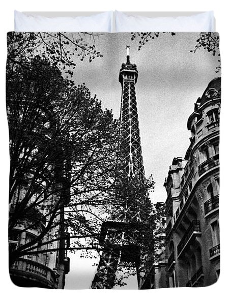 Eiffel Tower Black And White Duvet Cover by Andrew Fare