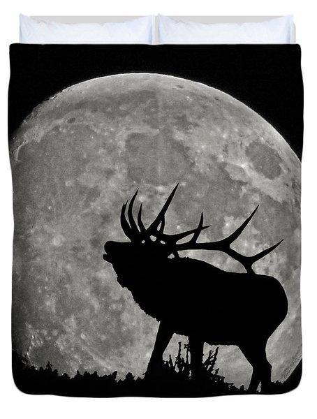 Elk silhouette on moon Duvet Cover by Ernie Echols