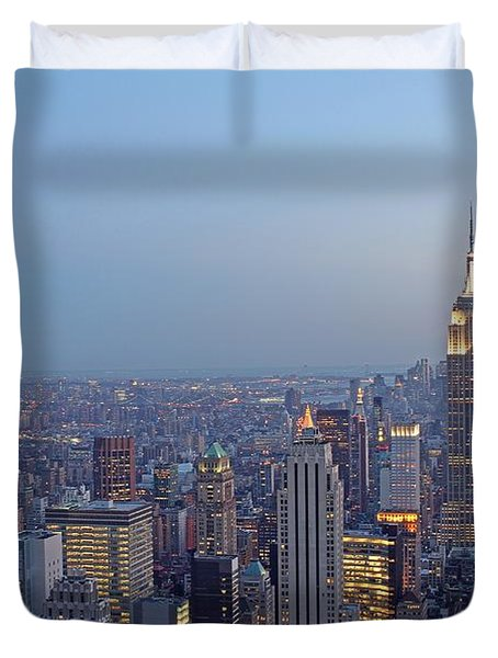 Empire State Building In Midtown Manhattan Duvet Cover by Juergen Roth