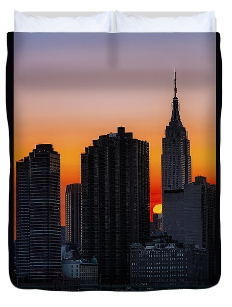 Empire State Building Sunset Duvet Cover by Susan Candelario