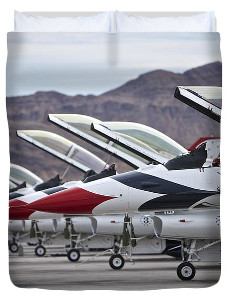 F-16c Thunderbirds On The Ramp Duvet Cover by Terry Moore