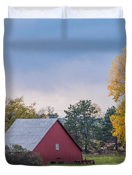 Farmstead With Fall Colors Duvet Cover by Paul Freidlund