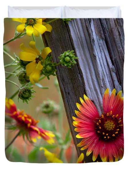 Fenceline Wildflowers Duvet Cover by Robert Frederick