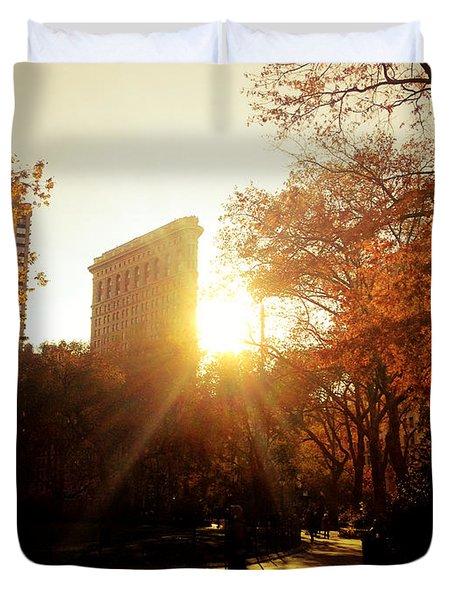 Flatiron Building Sunset - Madison Square Park Duvet Cover by Vivienne Gucwa