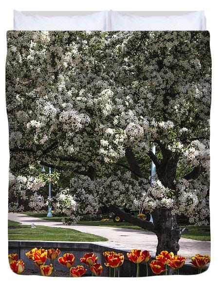Flowers And Bench At Michigan State University  Duvet Cover by John McGraw
